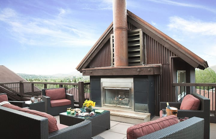 Fascinating Luxury Penthouse, Silver Star #3302, with outdoor fireplace and private hot tub