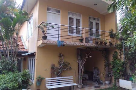 Two story home close to Colombo, Sri Lanka - Maharagama