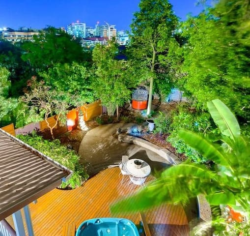 City views and Spa in the garden #1