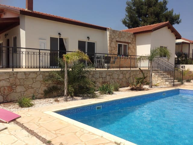 Detached Villa in Souni, Limassol, - Souni-Zanakia - วิลล่า