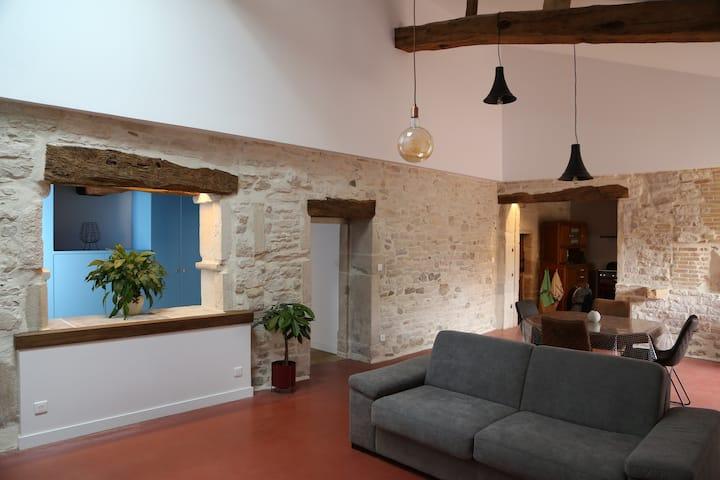 Maison de Charme : La Pierre de la Soif