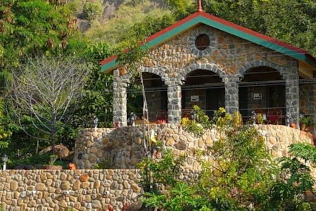 Shanti Nivas cottage