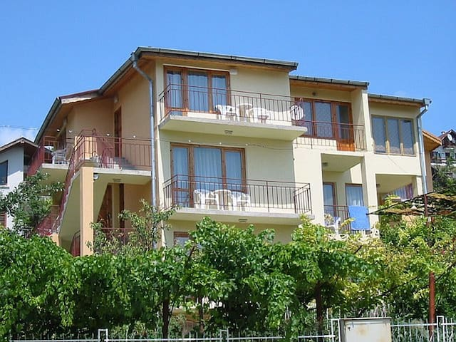 "Tsonev""s house - Balchik - Casa"