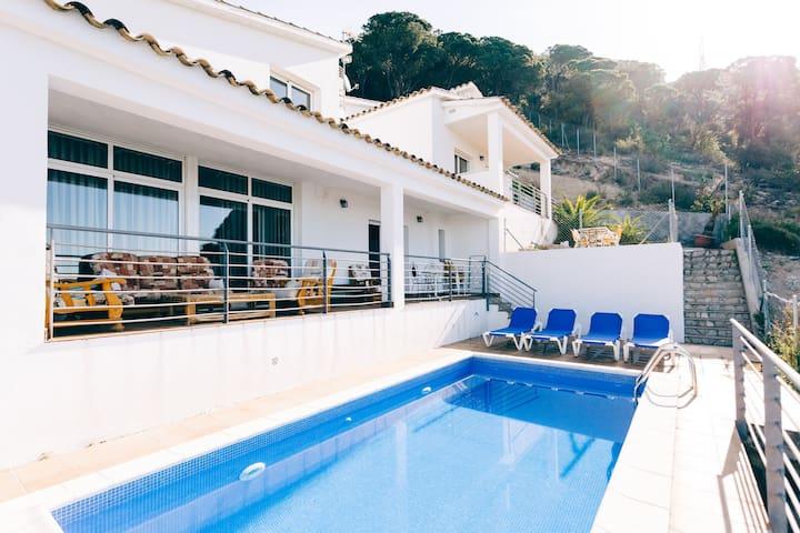 Villa Yaco, vistas al mar, Lloret