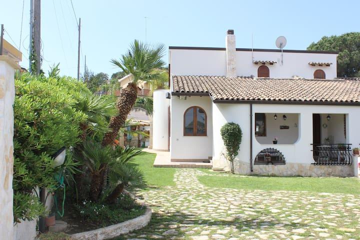 The Gio's House - Costa Saracena - Castelluccio - Vila