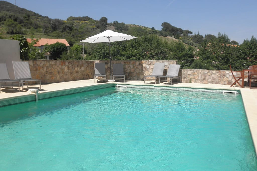 Swimming pool 1.40 m till 2 m overviewing the village and mountains