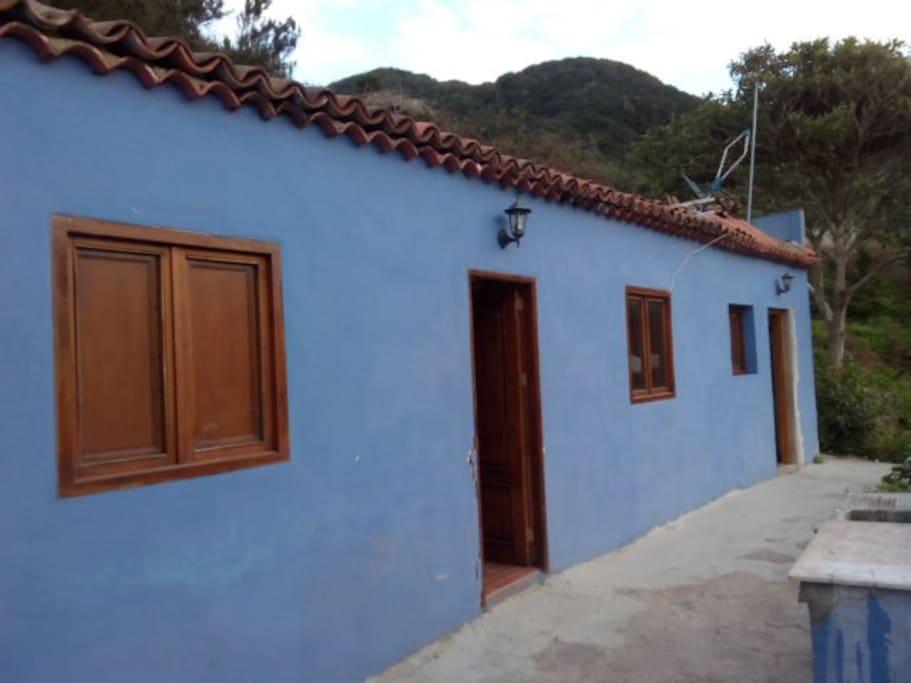The Blue House - La Casa Azul.