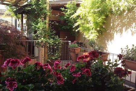 Bilocale in Centro Storico a Faenza - House