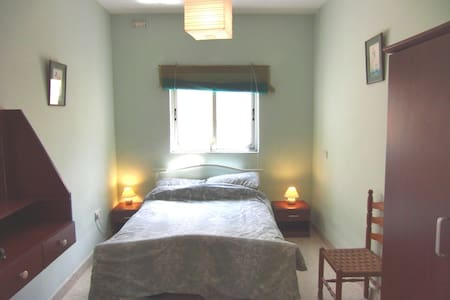 Bed and Breakfast at Sunshine House - San Gwann