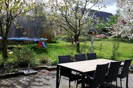 Stort hus tæt på Aalborg - Støvring