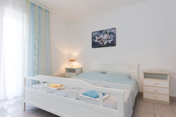 Studio apartment Dora with double bed - Tribalj