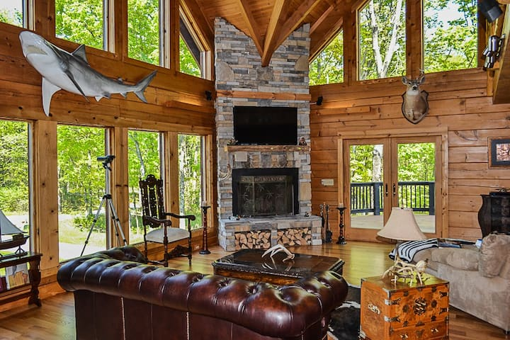 Beautiful Log Cabin on the KY Bourbon Trl w/ Pool! - Pleasureville - Cabana