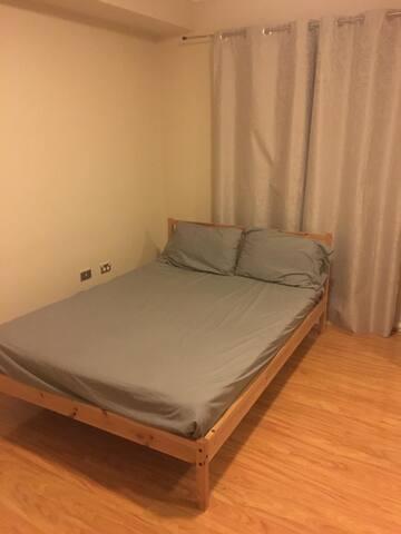 Large private room in Toongabbie