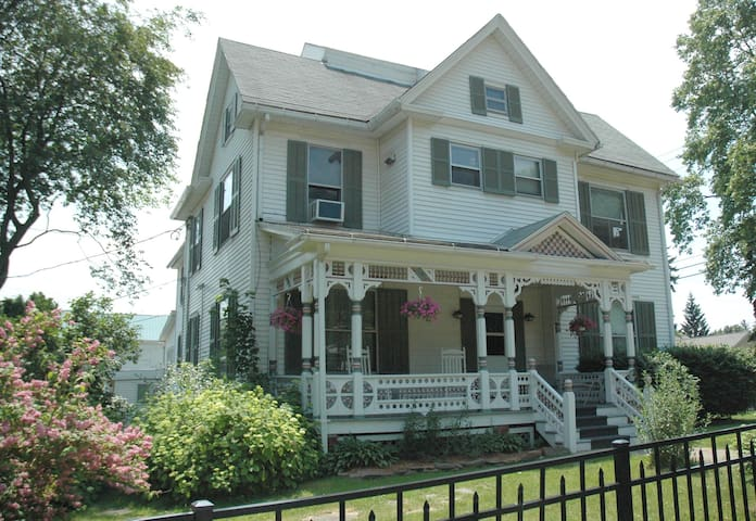 Efficiency Apartment in Village - Hammondsport - Byt