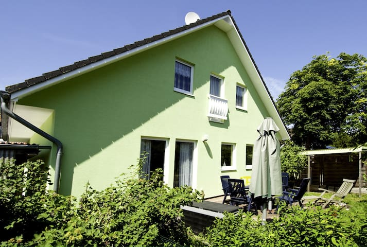 Ferienhaus Blömsloot Wohnung 1 - Prerow - Apartamento