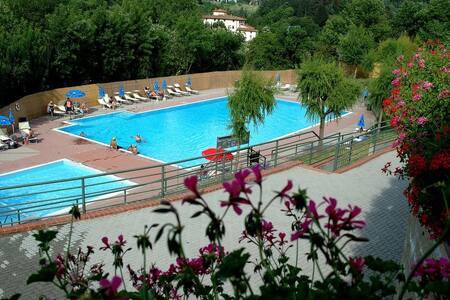 Camping Village Il Poggetto - Rignano sull'Arno - 방갈로