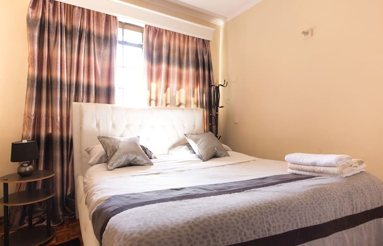 Cozy private room - Nairobi - Appartement