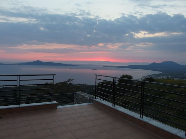 Spacious villa with amazing views - Lachi - Huvila
