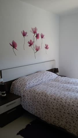 Private room double bedroom - Reus - Huoneisto