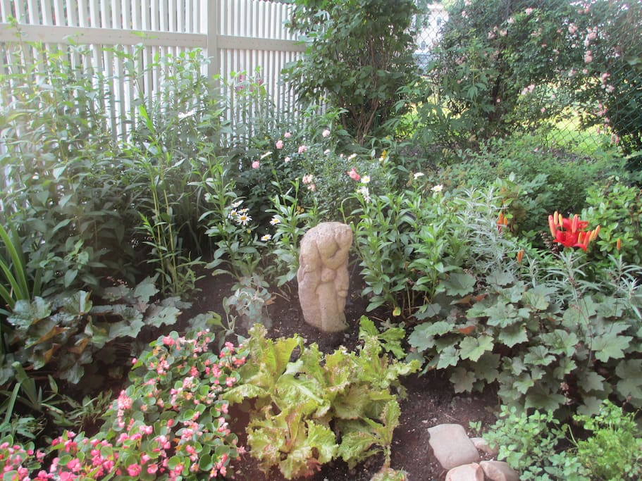 June Garden with Lucy Kettlewell Sculpture