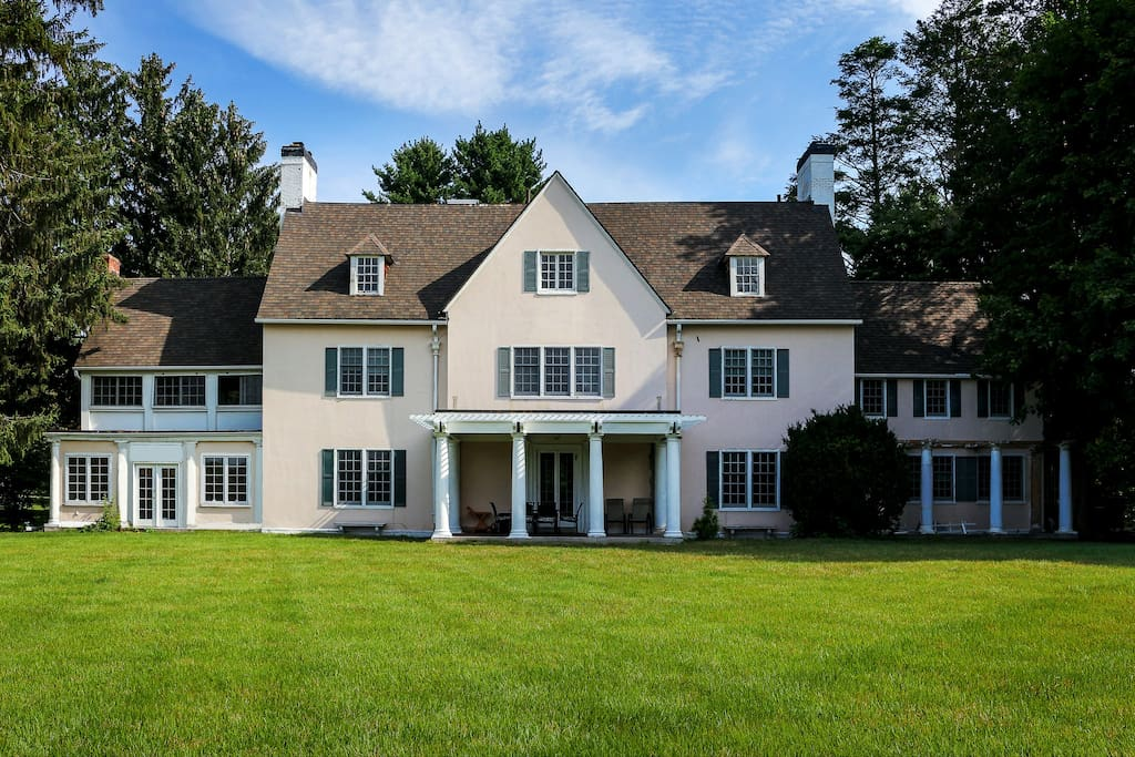 clifford cheney mansion on the great lawn villas for rent in manchester connecticut united. Black Bedroom Furniture Sets. Home Design Ideas