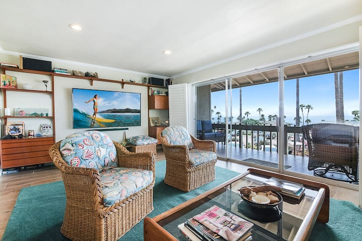 2BR Condo on Beach w/ Ocean Views