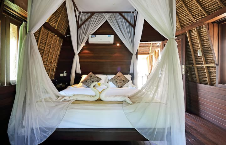 Boutique Style Lumbung Hut - NH02