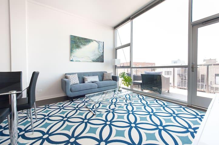 Sonder | Wrightwood Park | Bright 2BR + Balcony