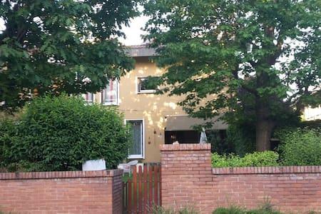 Stanza privata in villa - Arese
