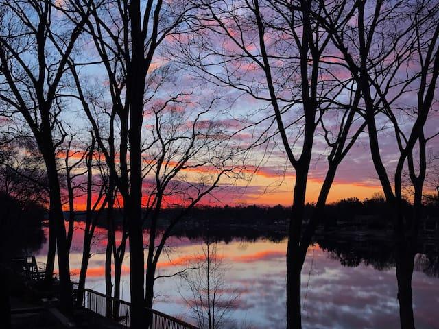 Notre Dame Riverfront (Sleeps 16+) - Mishawaka - Hus