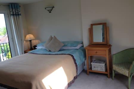 Charming Tranquil setting, Pristine - Watford - Σπίτι