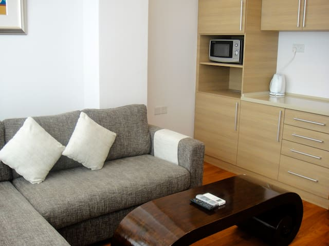 1 Bedroom Apartment 10 mins to Aljunied MRT