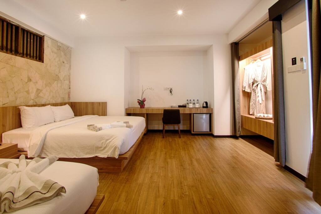 2 King Bed (4 persons)