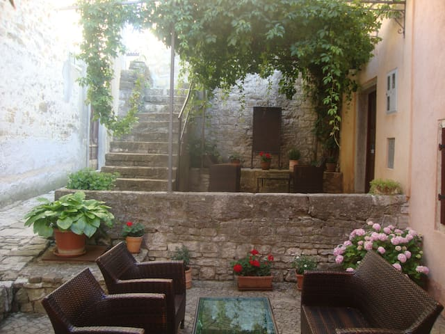 B&B Antico- Room 3 with a view - Motovun - Bed & Breakfast