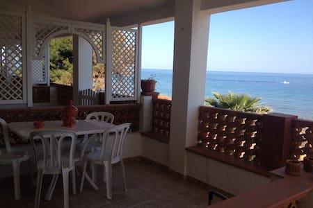 Splendida posizione a 10m dal mare - Capo Rizzuto - Apartment