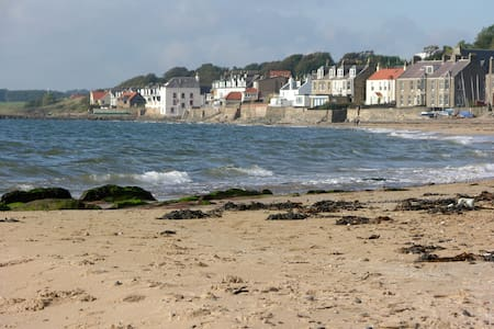 Rock View, Main St,  Lower Largo - Lower Largo - Apartment