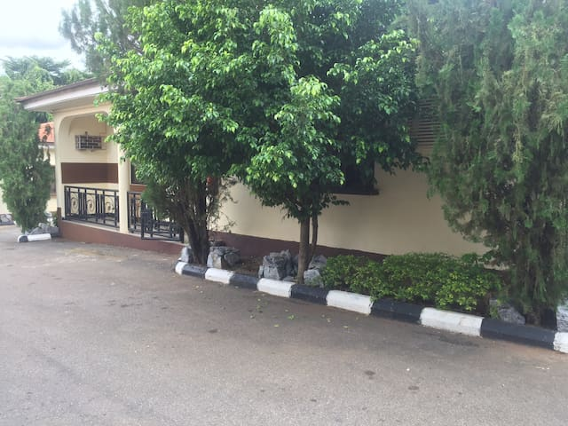 Spacious Executive Studio {Wuse Zone 5}