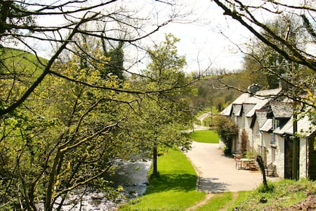 Tranquil Exmoor waters edge cottage - Lynton - Haus