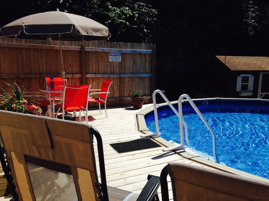 RELAX AND ENJOY YOUR PRIVATE DECK AND 85 DEGREE HEATED POOL!