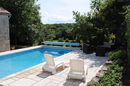 Maison de campagne avec piscine - Fondamente