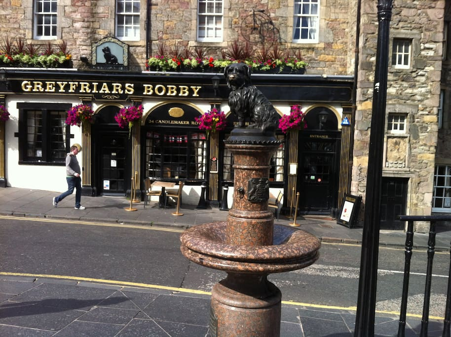 Centrally located in Greyfriars