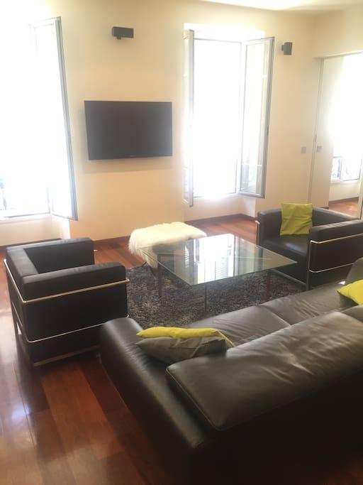 Vue du séjour de 60 m2 - Large Living-room