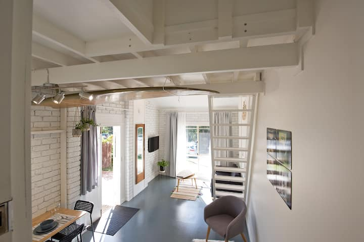 Self Contained Mezzanine*BAY BEACH LOFT