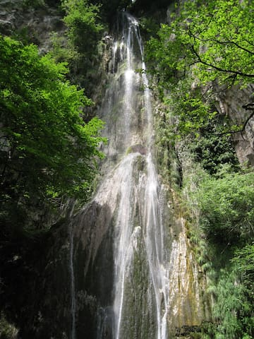Valle delle Ferriere -waterfall