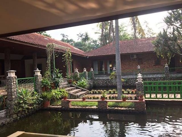 Villa Cinangka, Balinese concept. Sawangan, Depok