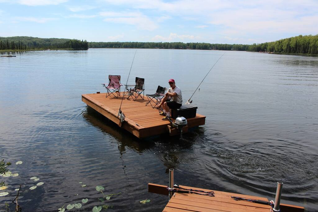 Guided lake tours on the floating dock can be purchased.