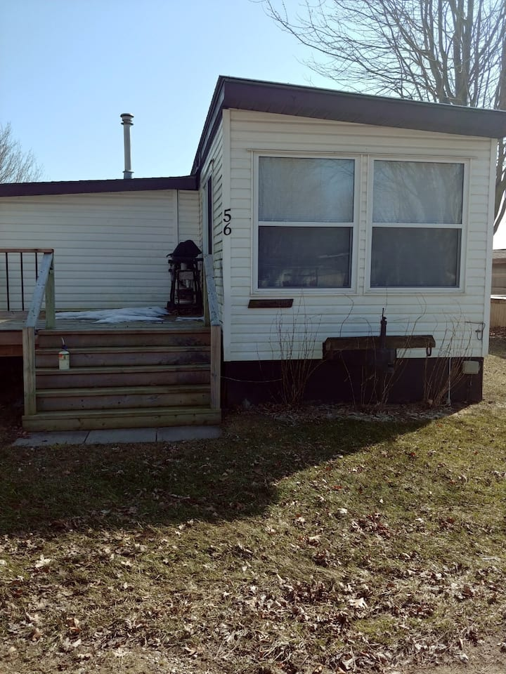 Mobile home at Hickory Grove trailer park