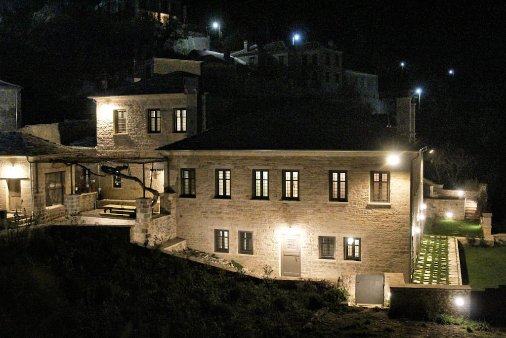 Panoramic night view of the mansion