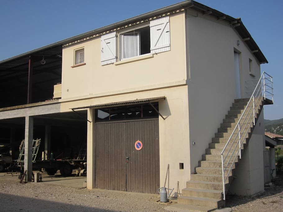 Chambre pour 3 personnes flats for rent in vallon pont d for Chambre d hote vallon pont d arc
