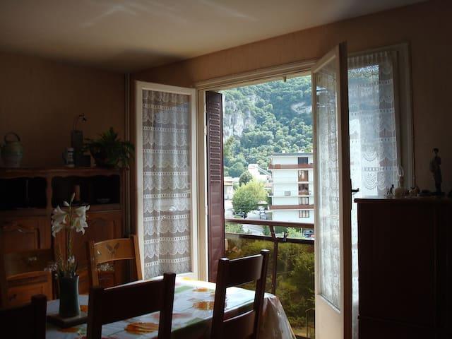 chambre vue sur le vercors - Fontaine - Condomínio